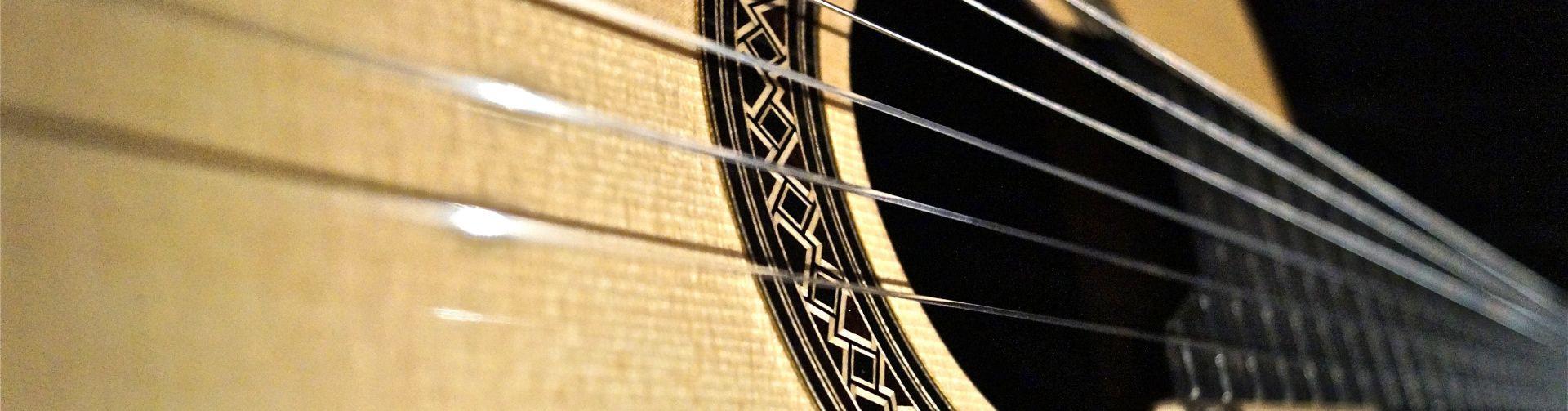 Óptimas condiciones acústicas para probar guitarras