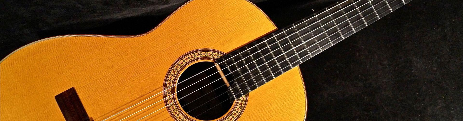 Guitarras de estudio para adultos y niños